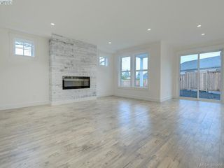 Photo 2: 14 Jedstone Pl in VICTORIA: VR View Royal Single Family Detached for sale (View Royal)  : MLS®# 775398