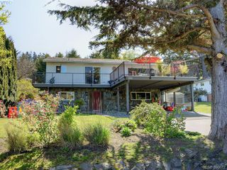 Photo 1: 391 Tamarack Rd in VICTORIA: Co Colwood Corners House for sale (Colwood)  : MLS®# 785284