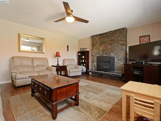 Photo 3: 391 Tamarack Rd in VICTORIA: Co Colwood Corners House for sale (Colwood)  : MLS®# 785284