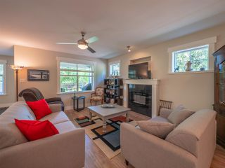 Photo 6: 803 GERUSSI Lane in Gibsons: Gibsons & Area House 1/2 Duplex for sale (Sunshine Coast)  : MLS®# R2273897