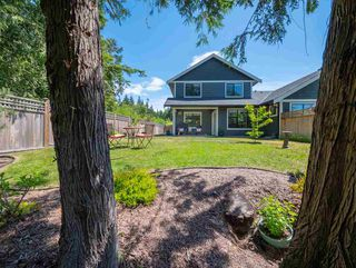 Photo 1: 803 GERUSSI Lane in Gibsons: Gibsons & Area House 1/2 Duplex for sale (Sunshine Coast)  : MLS®# R2273897
