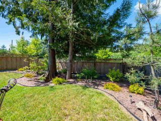 Photo 18: 803 GERUSSI Lane in Gibsons: Gibsons & Area House 1/2 Duplex for sale (Sunshine Coast)  : MLS®# R2273897