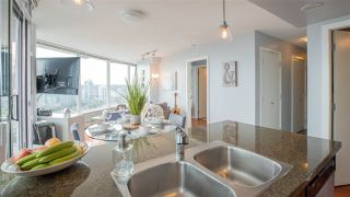 "Photo 7: 2808 688 ABBOTT Street in Vancouver: Downtown VW Condo for sale in ""Firenze II"" (Vancouver West)  : MLS®# R2287504"