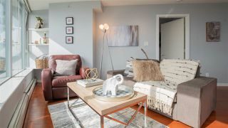 """Photo 2: 2808 688 ABBOTT Street in Vancouver: Downtown VW Condo for sale in """"Firenze II"""" (Vancouver West)  : MLS®# R2287504"""