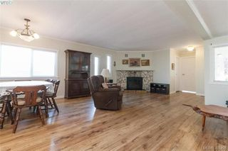Photo 3: 9364 Trailcreek Drive in SIDNEY: Si Sidney South-West Manu Single-Wide for sale (Sidney)  : MLS®# 397956