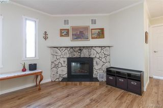 Photo 5: 9364 Trailcreek Drive in SIDNEY: Si Sidney South-West Manu Single-Wide for sale (Sidney)  : MLS®# 397956