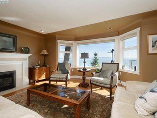 Photo 8: 5489 Parker Avenue in VICTORIA: SE Cordova Bay Single Family Detached for sale (Saanich East)  : MLS®# 400355
