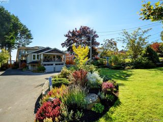 Photo 40: 5489 Parker Avenue in VICTORIA: SE Cordova Bay Single Family Detached for sale (Saanich East)  : MLS®# 400355