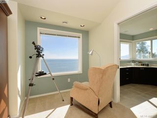Photo 14: 5489 Parker Avenue in VICTORIA: SE Cordova Bay Single Family Detached for sale (Saanich East)  : MLS®# 400355