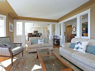 Photo 10: 5489 Parker Avenue in VICTORIA: SE Cordova Bay Single Family Detached for sale (Saanich East)  : MLS®# 400355