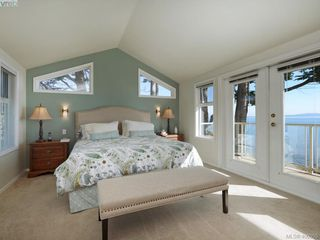 Photo 13: 5489 Parker Avenue in VICTORIA: SE Cordova Bay Single Family Detached for sale (Saanich East)  : MLS®# 400355
