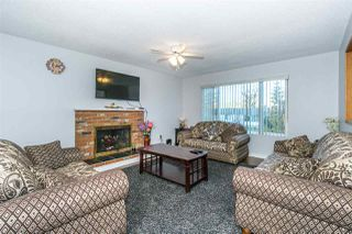 Photo 3: 3835 BALSAM Crescent in Abbotsford: Central Abbotsford House for sale : MLS®# R2323539