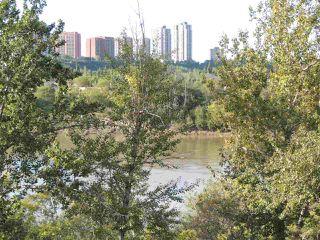 Photo 2: 9015 98 Avenue in Edmonton: Zone 18 Townhouse for sale : MLS®# E4144365
