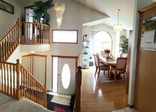 Photo 2: 16132 81 Street in Edmonton: Zone 28 House for sale : MLS®# E4147804