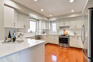 Photo 2: 312 HEDLEY Way in Edmonton: Zone 14 House for sale : MLS®# E4148458