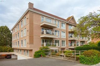 Photo 1: 103 1014 Rockland Avenue in VICTORIA: Vi Rockland Condo Apartment for sale (Victoria)  : MLS®# 407395