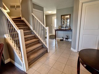 Photo 2: 607 Albany Way in Edmonton: Zone 27 House for sale : MLS®# E4154109
