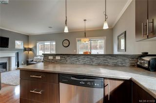 Photo 10: 1218 Parkdale Creek Gardens in VICTORIA: La Westhills Single Family Detached for sale (Langford)  : MLS®# 411018