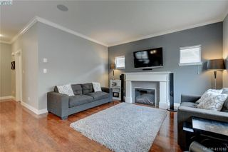 Photo 3: 1218 Parkdale Creek Gardens in VICTORIA: La Westhills Single Family Detached for sale (Langford)  : MLS®# 411018