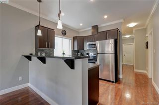 Photo 8: 1218 Parkdale Creek Gardens in VICTORIA: La Westhills Single Family Detached for sale (Langford)  : MLS®# 411018