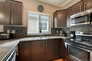 Photo 9: 1218 Parkdale Creek Gardens in VICTORIA: La Westhills Single Family Detached for sale (Langford)  : MLS®# 411018