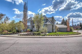 Photo 3: 625 EARL GREY Crescent SW in Calgary: Upper Mount Royal Detached for sale : MLS®# C4244923