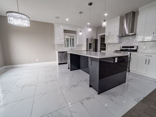 Photo 4: 4135 7 Avenue in Edmonton: Zone 53 House for sale : MLS®# E4159607