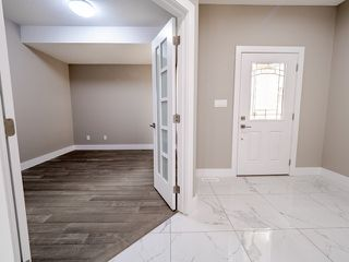 Photo 9: 4135 7 Avenue in Edmonton: Zone 53 House for sale : MLS®# E4159607