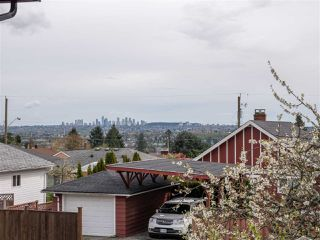 Photo 12: 411 E KEITH Road in North Vancouver: Queensbury House for sale : MLS®# R2376411