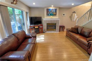 Photo 3: 112 632 Goldstream Avenue in VICTORIA: La Fairway Row/Townhouse for sale (Langford)  : MLS®# 412973