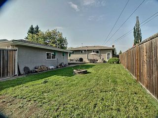 Photo 3: 5724 90 Avenue in Edmonton: Zone 18 House for sale : MLS®# E4166122