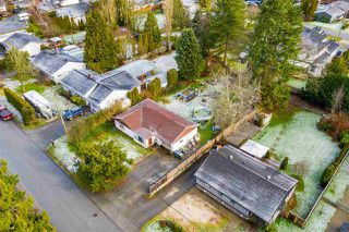 "Photo 12: 5858 172A Street in Surrey: Cloverdale BC House for sale in ""Cloverdale"" (Cloverdale)  : MLS®# R2432052"