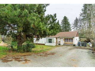 "Photo 16: 5858 172A Street in Surrey: Cloverdale BC House for sale in ""Cloverdale"" (Cloverdale)  : MLS®# R2432052"