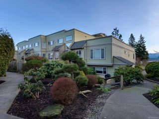 Photo 31: 304 2250 Manor Pl in COMOX: CV Comox (Town of) Condo for sale (Comox Valley)  : MLS®# 832760