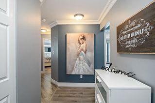 Photo 2: 304 3174 GLADWIN Road in Abbotsford: Central Abbotsford Condo for sale : MLS®# R2441289