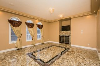 Photo 12: 970 HOLLINGSWORTH Bend in Edmonton: Zone 14 House for sale : MLS®# E4198654