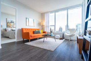 """Main Photo: 2105 5883 BARKER Avenue in Burnaby: Metrotown Condo for sale in """"ALDYNNE ON THE PARK"""" (Burnaby South)  : MLS®# R2460442"""