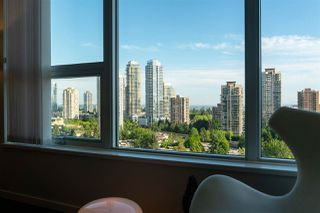 "Photo 26: 2105 5883 BARKER Avenue in Burnaby: Metrotown Condo for sale in ""ALDYNNE ON THE PARK"" (Burnaby South)  : MLS®# R2460442"