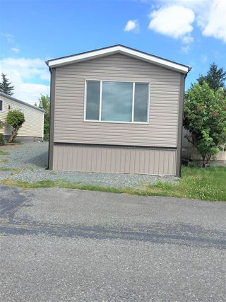 "Photo 1: A4 29666 FRASER Highway in Abbotsford: Aberdeen Manufactured Home for sale in ""Aloha Manufctured Homes & RV Park"" : MLS®# R2469989"