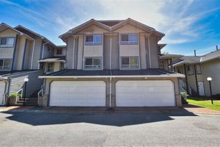 "Photo 2: 116 10538 153 Street in Surrey: Guildford Townhouse for sale in ""Regent's Gate"" (North Surrey)  : MLS®# R2476436"