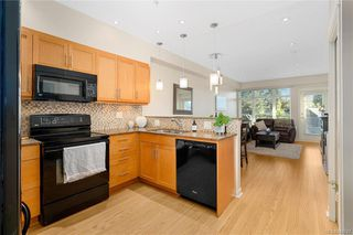 Photo 2: 310 2220 Sooke Rd in Colwood: Co Hatley Park Condo for sale : MLS®# 844747