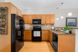 Photo 3: 310 2220 Sooke Rd in Colwood: Co Hatley Park Condo for sale : MLS®# 844747