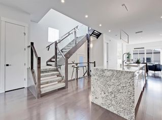 Photo 8: 2519 18 Street NW in Calgary: Capitol Hill Detached for sale : MLS®# A1032180