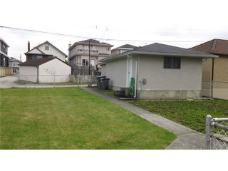 Photo 9: 5522 DUNDEE Street in Vancouver: Collingwood VE House for sale (Vancouver East)  : MLS®# V891709