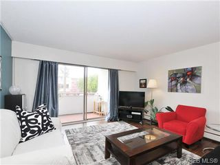 Photo 1: 205 1040 Rockland Avenue in VICTORIA: Vi Downtown Condo Apartment for sale (Victoria)  : MLS®# 335991