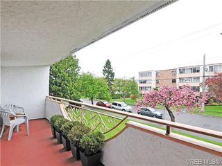 Photo 15: 205 1040 Rockland Avenue in VICTORIA: Vi Downtown Condo Apartment for sale (Victoria)  : MLS®# 335991