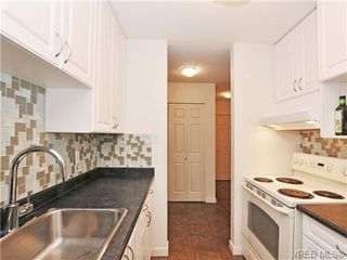 Photo 7: 205 1040 Rockland Avenue in VICTORIA: Vi Downtown Condo Apartment for sale (Victoria)  : MLS®# 335991