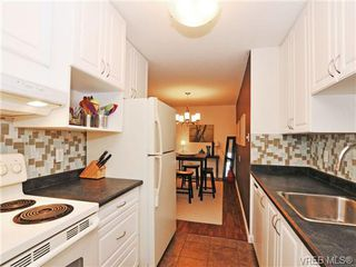 Photo 6: 205 1040 Rockland Avenue in VICTORIA: Vi Downtown Condo Apartment for sale (Victoria)  : MLS®# 335991