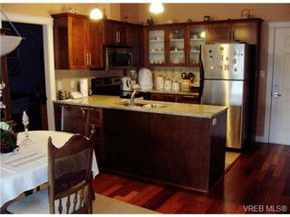 Photo 3: 305 2380 Brethour Ave in SIDNEY: Si Sidney North-East Condo Apartment for sale (Sidney)  : MLS®# 685203