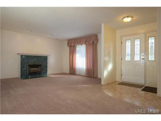 Photo 7: 2318 Francis View Drive in VICTORIA: VR View Royal Single Family Detached for sale (View Royal)  : MLS®# 344304